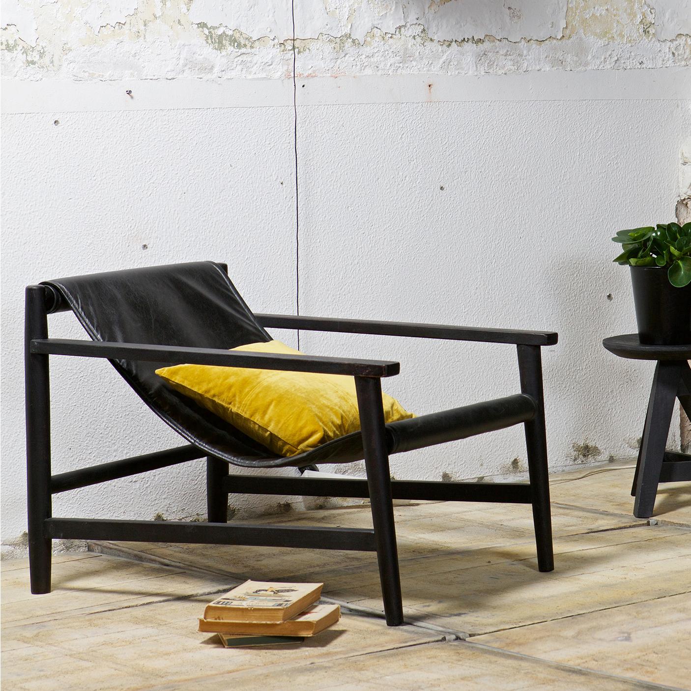 BePureHome Fauteuil 'Sling' leder, kleur zwart met voordeel snel in huis via Meubel Partner