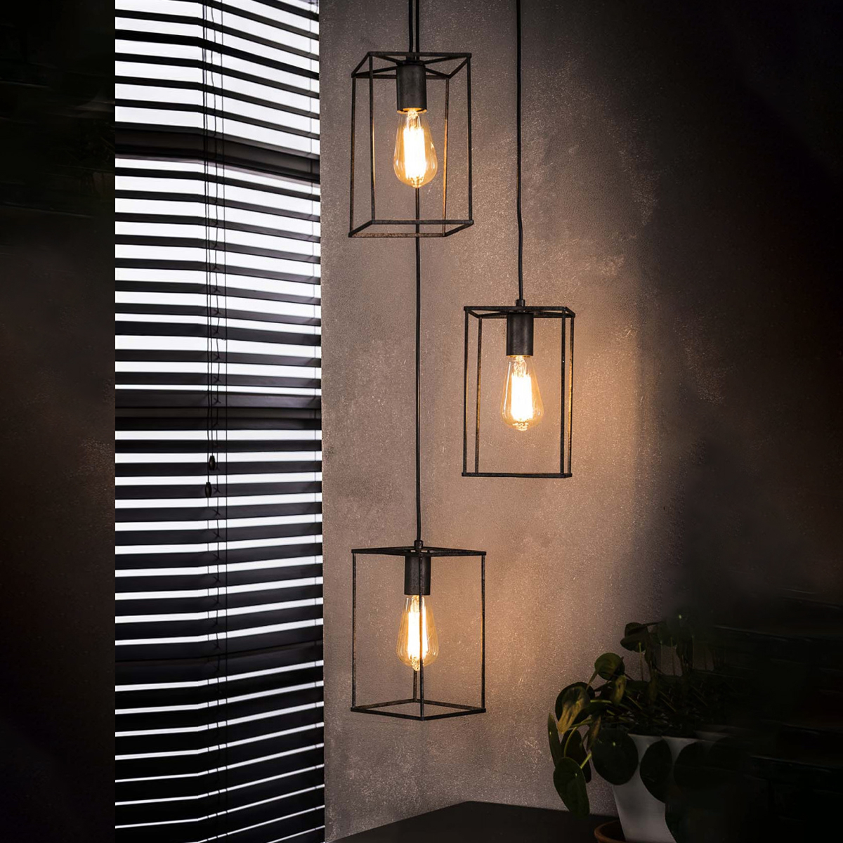 Industriële Hanglamp 'Cubic' 3-lamps Verlichting | Hanglampen kopen