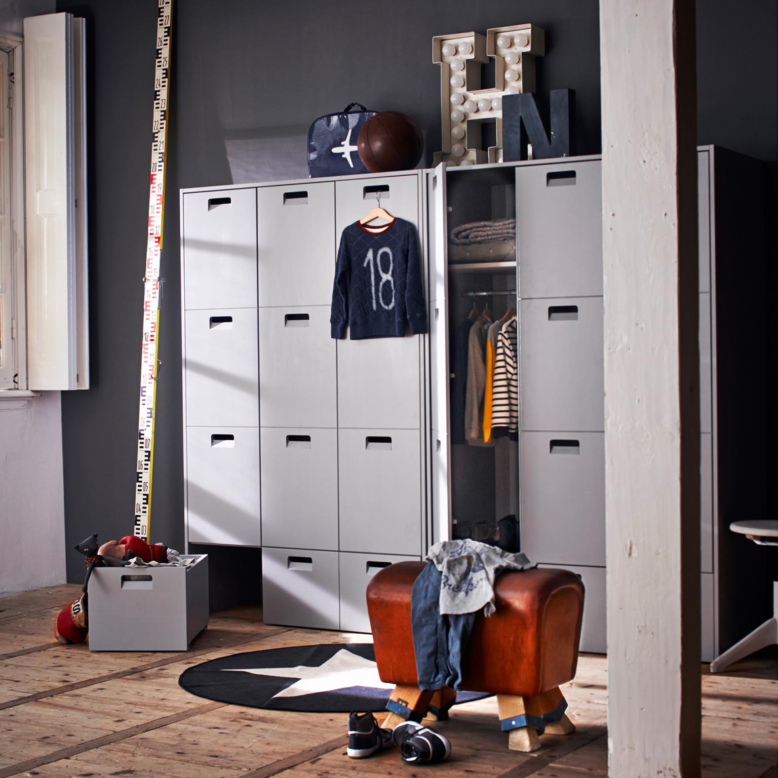 vtwonen Kledingkast 'Store', kleur Betongrijs met voordeel snel in huis via Meubel Partner